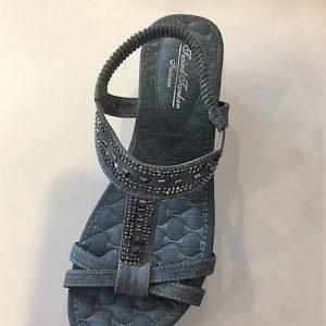 3241-Y569 Sandal med kinahæl